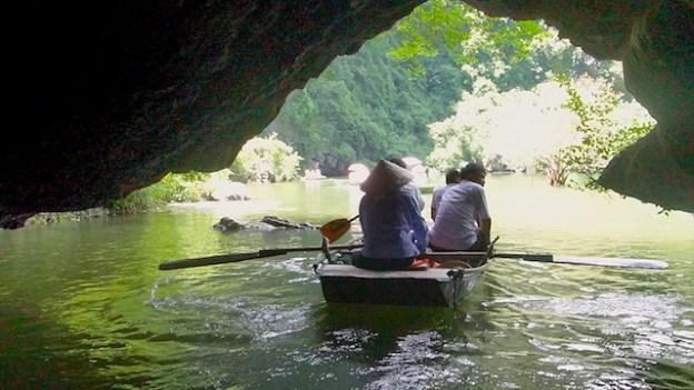 Baie d'Halong Terrestre photo blog voyage tour du monde http://yoytourdumonde.fr