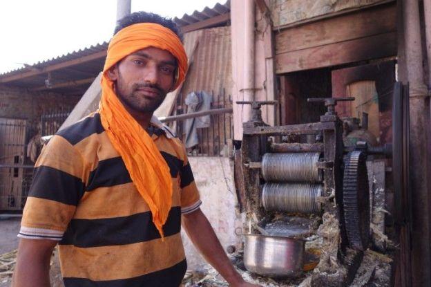La couleur orange est omnipresente chez les sikhs photos blog voyage tour du monde amritsar http://yoytourdumonde.fr