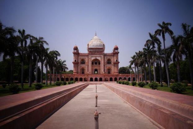 Safdarjung Tomb à New Delhi est un superbe endroit qu'il faut visiter photo blog voyage tour du monde http://yotourdumonde.fr