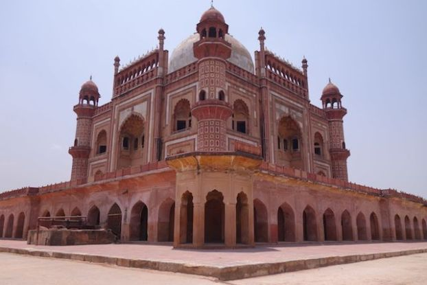 Magnifique batiments que le Safdarjung Tomb à New Delhi photo voyage tour du monde http://yoytourdumonde.fr