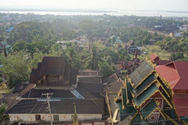 les pagodes ou temple de Mawlamyine sont de toutes beauté. Il faut absolument aller les visiter. Photo blog voyage tour du monde http://yoytourdumonde.fr