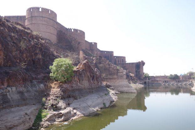 La citadelle Mehrangarh à Jodhpur dans le rajastan est sans aucun doute le plus beau chateau de l'etat à visiter d'urgence photo blog voyage tour du monde http://yoytourdumonde.fr