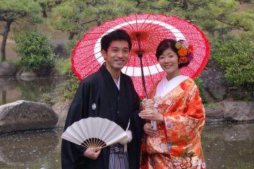 Tenu de mariage au Japon Photo blog voyage tour du monde http://yoytourdumonde.fr