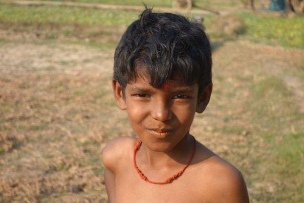 portrait jeune hindouiste durant une fete en hommage a shiva du cote de la birmanie pres de Mawlamyine sur l'ile de l'ogre photo blog tour du monde voyage http://yoytourdumonde.fr