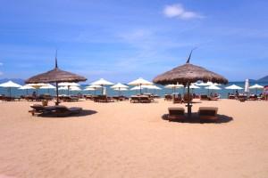 Magnifique station balneaire de Nha Trang numero un pour le Lonely Planet. Photo blog voyage tour du monde http://yoytourdumonde.fr