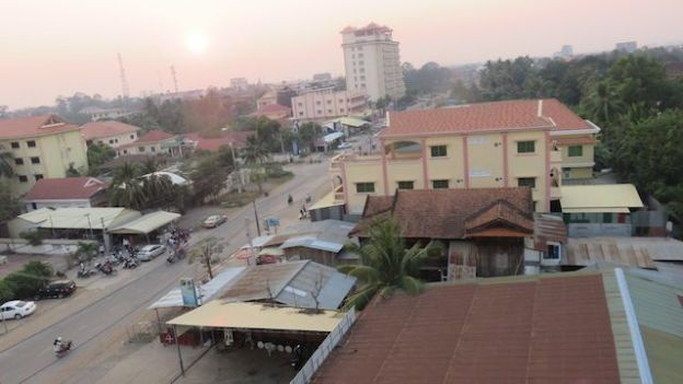 vous pouvez voir Battambang avec la vue de mon hotel blog photo http://yoytourdumonde.fr
