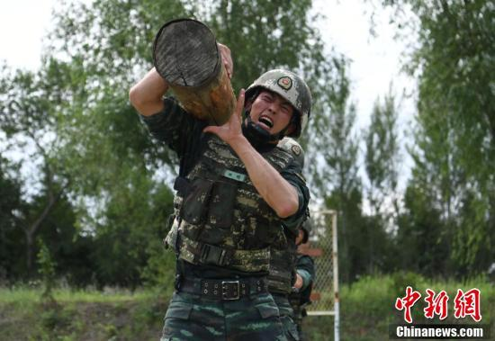 "Armed Police Jilin Detachment Launches""Devil Week"" Extreme Training"