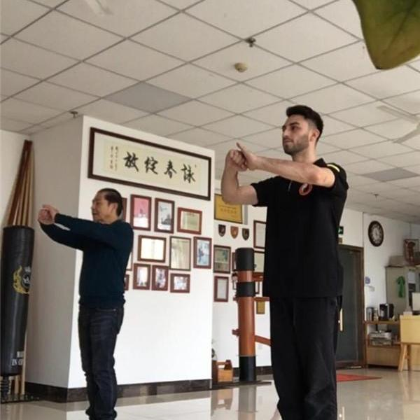 Spanish guy Dennis:I am crazy about Chinese Kung Fu Wing Chun