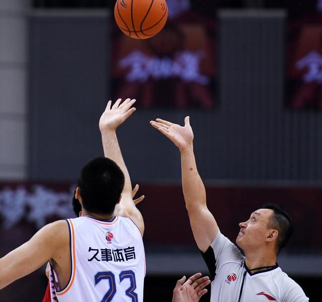 Basketball-the first stage of the CBA rematch:Qingdao Guoxin double star against Shanghai Jiu Shi