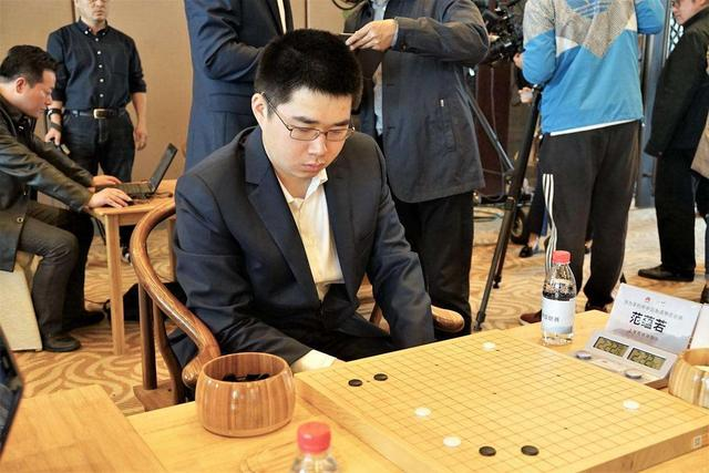 Fan Yun, a 24-year-old professional eight-segment go player, passed away unexpectedly, and Ke Jie mourned the farewell with Zhang Xueyou lyrics
