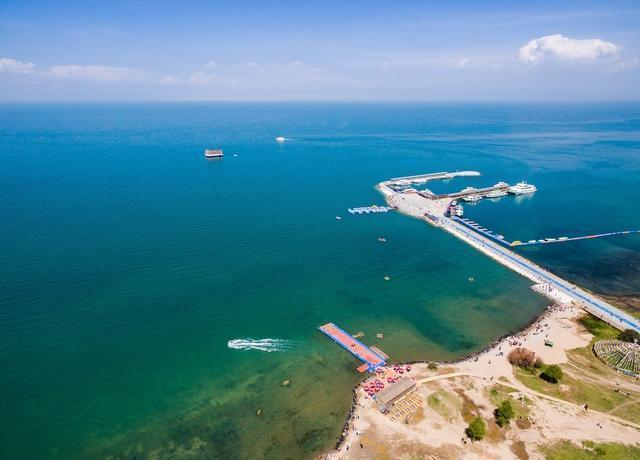 Satellite found that Qinghai Lake expanded 287 square kilometers in 20 years. Question:It will flow into the Yellow River in the future
