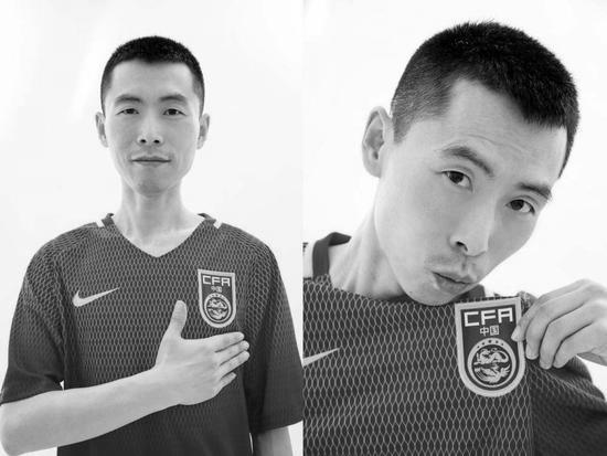 Cancer coach Jing Yongxing passed away due to illness and was obsessed with the coach certificate only to let his son know that he had sweated for Chinese football. Li Tie promised to teach his son to play football
