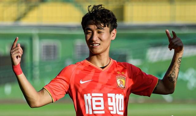 22pm! Good news from the national football team:Li Tie witnessed the scene, 25-year-old national football team broke out again