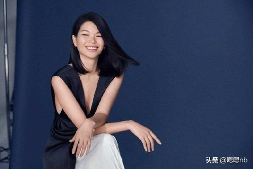 """Remember the""""first ugly model Lu Yan""""? Her son grew up like a very half-blood prince"""