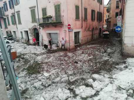 Verona, Italy hit by severe hailstorm, region declared a state of crisis