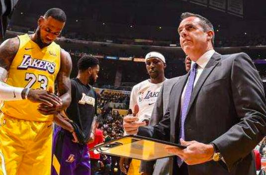 The Lakers coach named the Heat's most threatening man, named Howard with Warcraft to defend the 2 meters 08 Titans