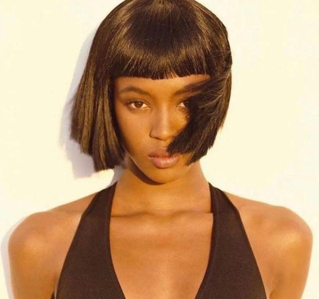 """""""Black Pearl"""" Naomi Campbell reappears on the cover of the US version of VOGUE after 20 years"""