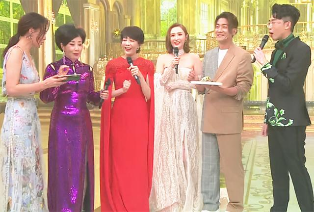 TVB celebration! Hundreds of celebrities attended the event in full costumes, their dresses resembled a studio style, and the makeup was too thick