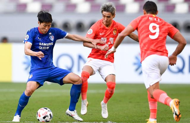 """Five embarrassing scenes of Evergrande tonight:Wei Shihao did not enter the empty door, and Park Zhizhu was """"undercover"""" twice"""