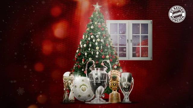 Bayern official website posted a group photo of five championship trophies:I wish you all a Merry Christmas