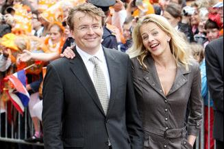 The princess of the Netherlands is a gang mistress? Overnight with the drug lord, but the prince is willing to give up the throne for her