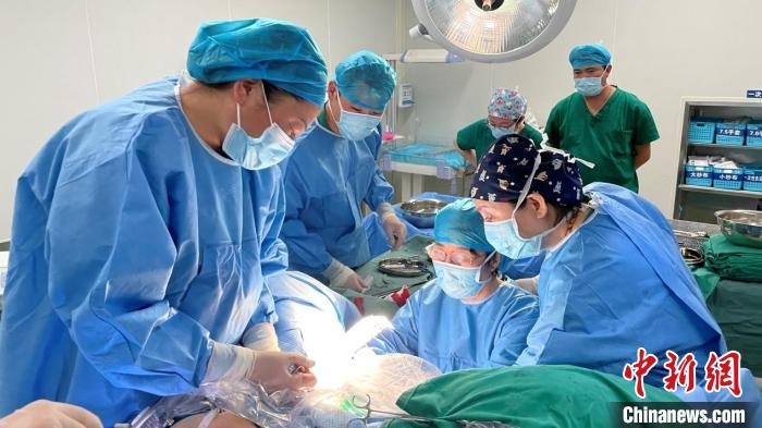 Guangdong hospital spans thousands of miles to protect the well-being of women and children