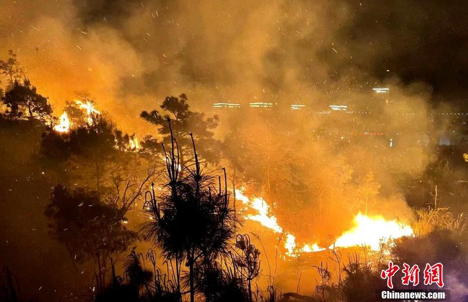 Fujian Forest Fire Fighting Forest Fire Fighting Overnight