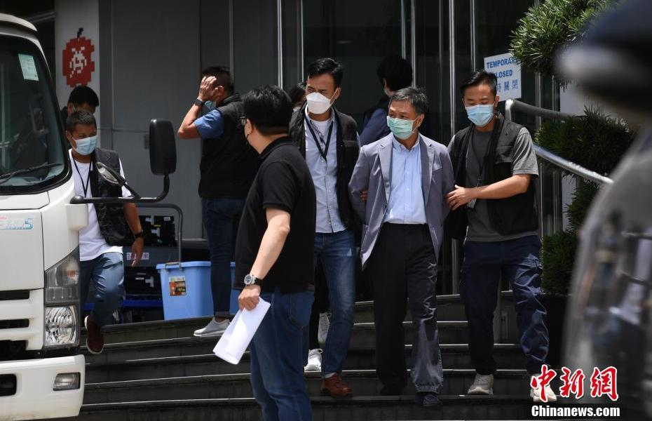 Five senior officials from One Media and Apple Daily were arrested by the National Security Service of the Hong Kong Police Force