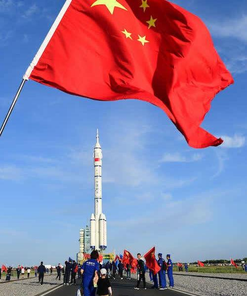 The Shenzhou 12 spacecraft is in place! Send 3 astronauts to space in June