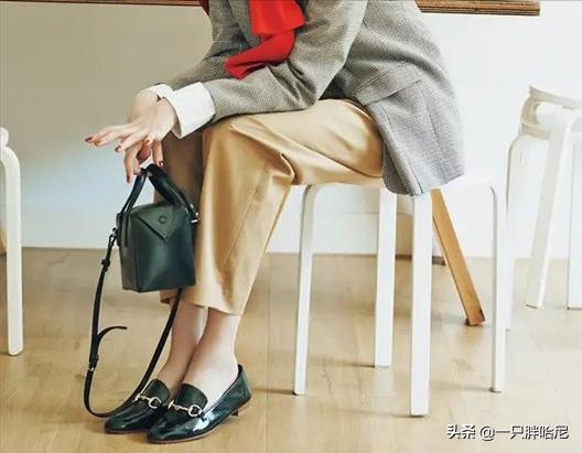 Women with real temperament rarely wear these 3 kinds of shoes, not to mention cheap, but also very low-grade