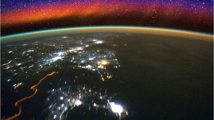 NASA's GOLD mission discovers the rapid motion behavior of ribbon particles around the equator