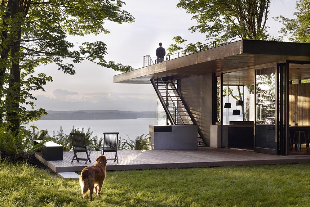 Simple Modern Flat Roof Design. [Fishermanu0027s House By KDVA. Photo Courtesy  KDVA.]