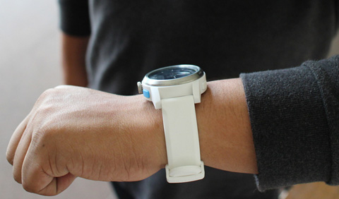 white-cookoo-watch