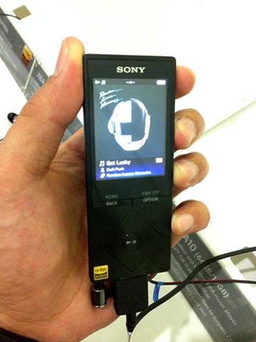 Sony_A15_2