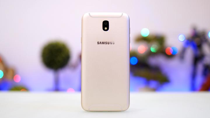 Kết quả hình ảnh cho Samsung Galaxy J7 Pro battery