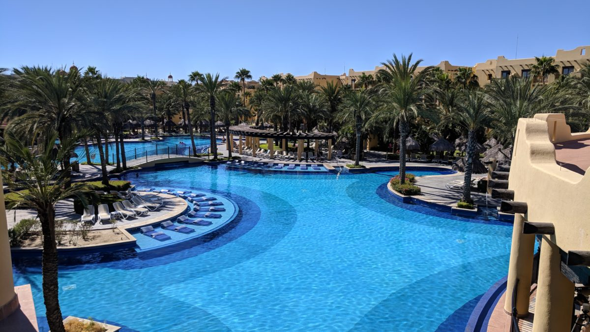 4* all inclusive deal to Los Cabos Mexico for less than 985$ p.p. double occ. from Montreal