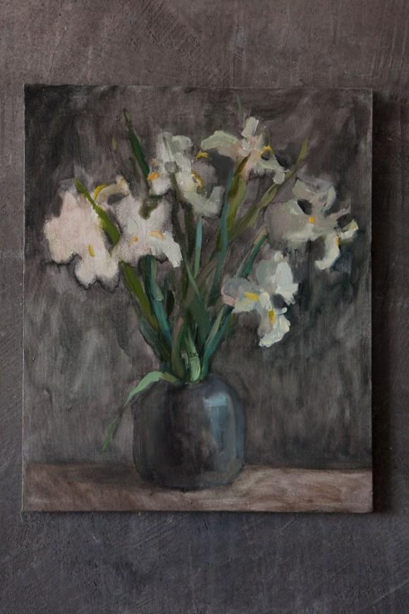 White irises 55-45cm, oil on canvas. 400 €