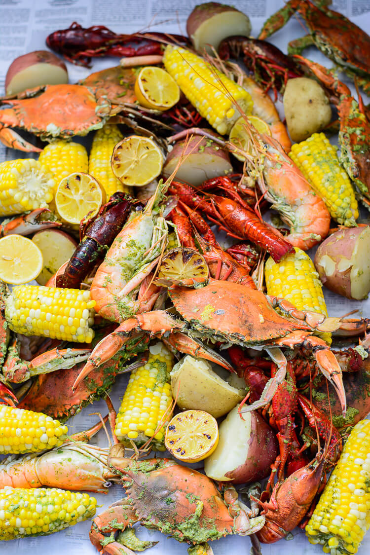 Best Summer Seafood Boil with Homemade Seasoning - Bon Appetit!
