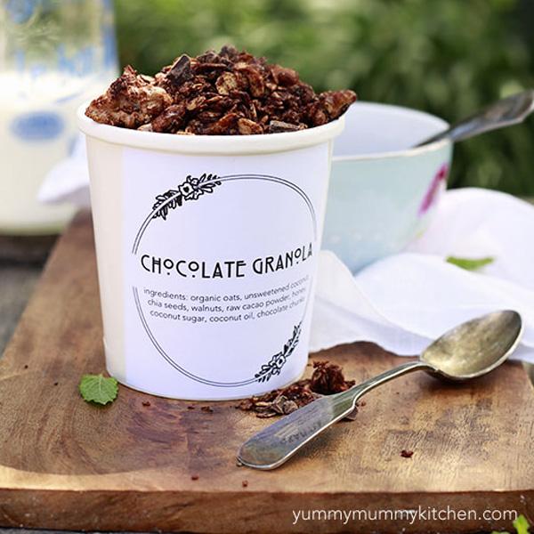 Homemade healthy chocolate granola recipe.
