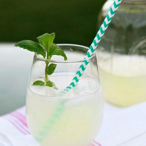 Organic sugar-free healthy lemonade recipe