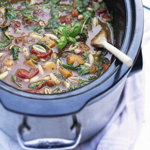 Vegetarian Slow Cooker Minestrone Soup