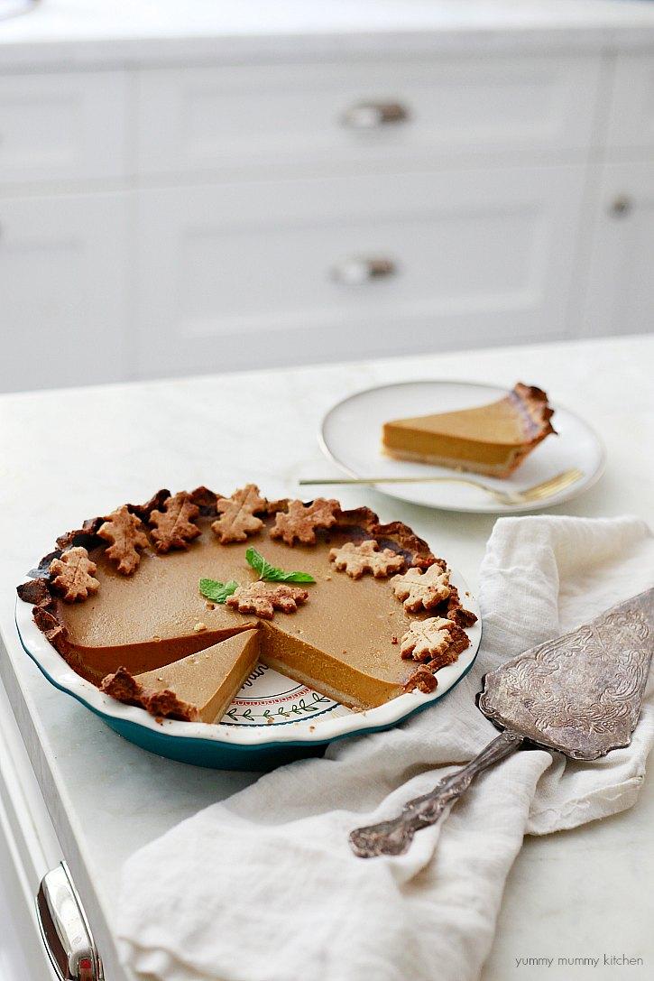 This delicious pumpkin pie has a gluten free almond flour crust!