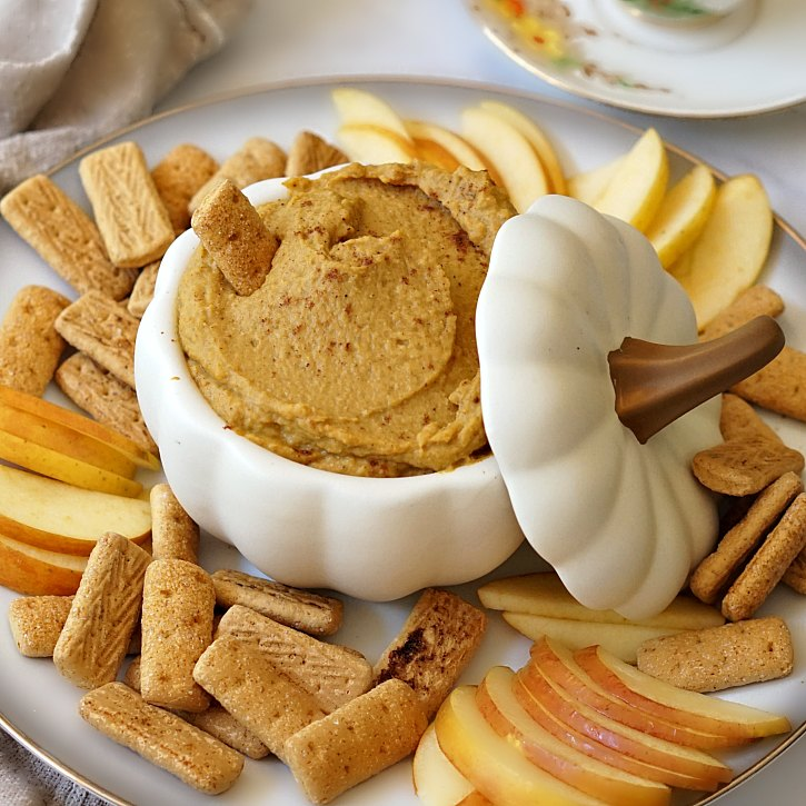 A delicious autumn dip that tastes like pumpkin pie, but is made with better for you ingredients. This dessert hummus comes together in under 10 minutes.