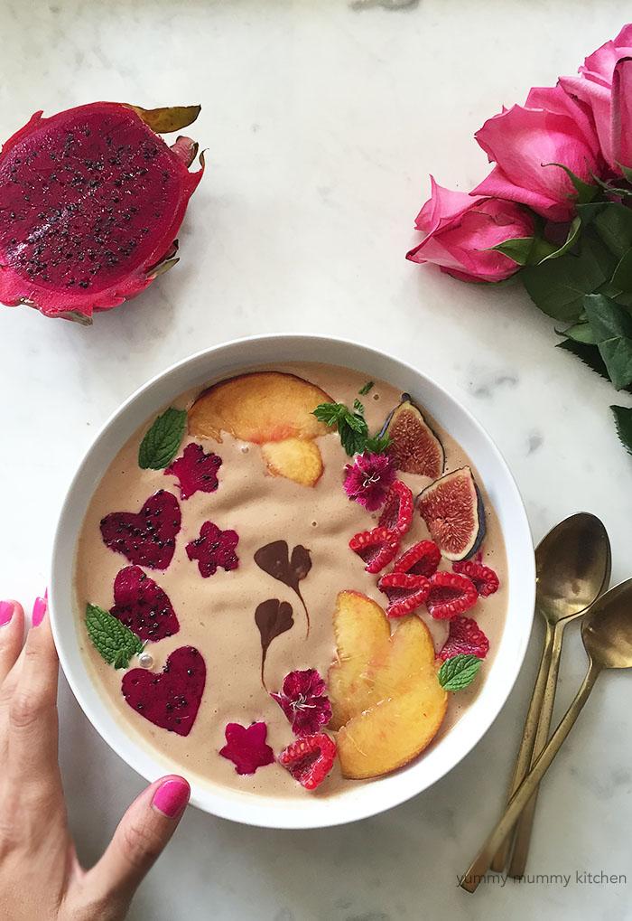 beautiful vegan smoothie bowl