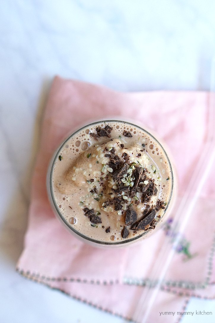 This easy vegan maca root protein smoothie tastes like a chocolate malt!