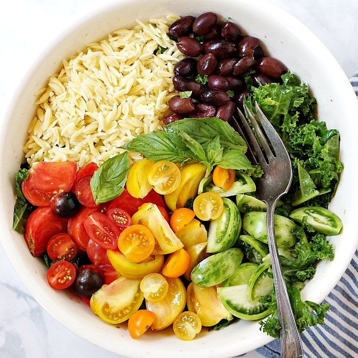 This beautiful hearty salad is perfect for late summer parties or lunch meal-prep. Add pine nuts or chickpeas for a protein boost.