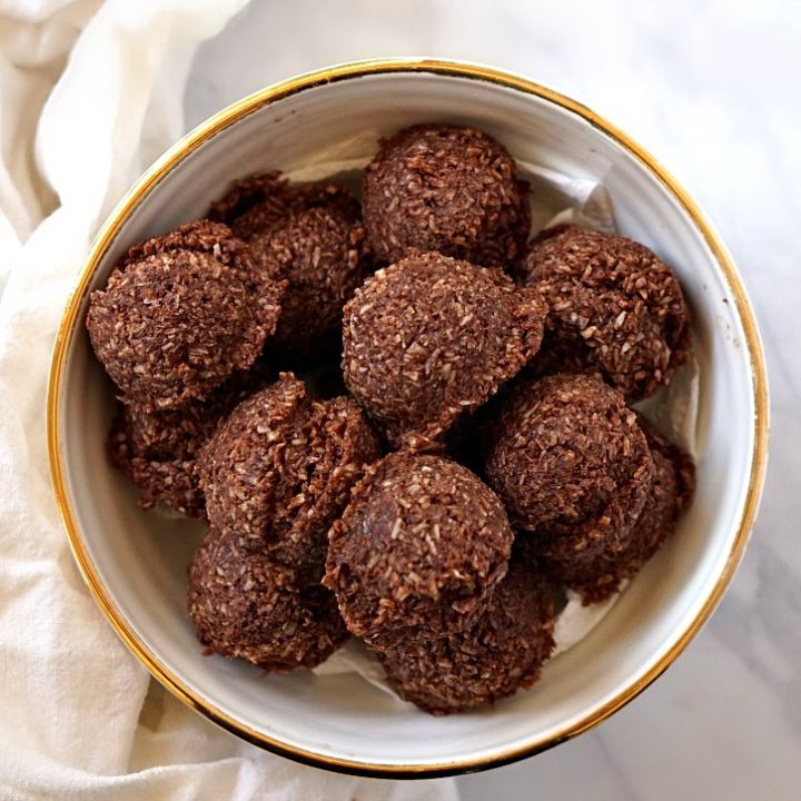 Cocoa Macaroons