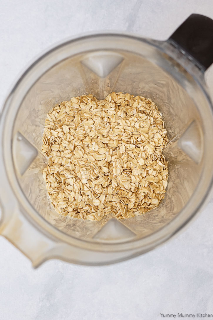 Old fashioned rolled oats in a Vitamix blender.