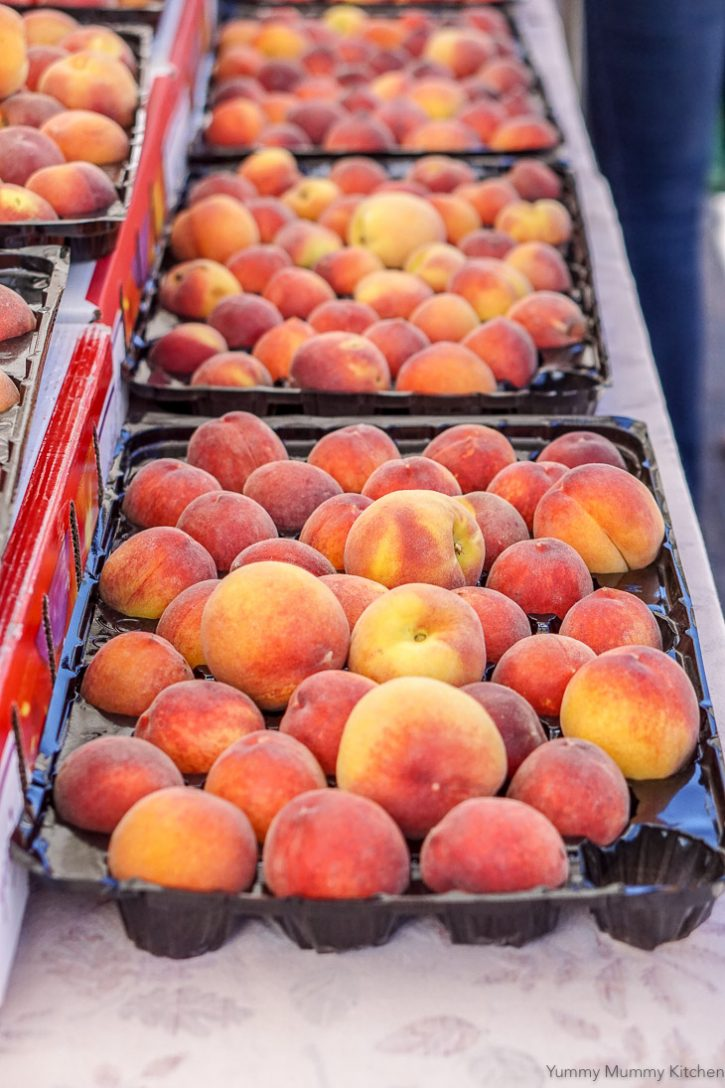 Rows of peaches at the Santa Barbara farmers market.