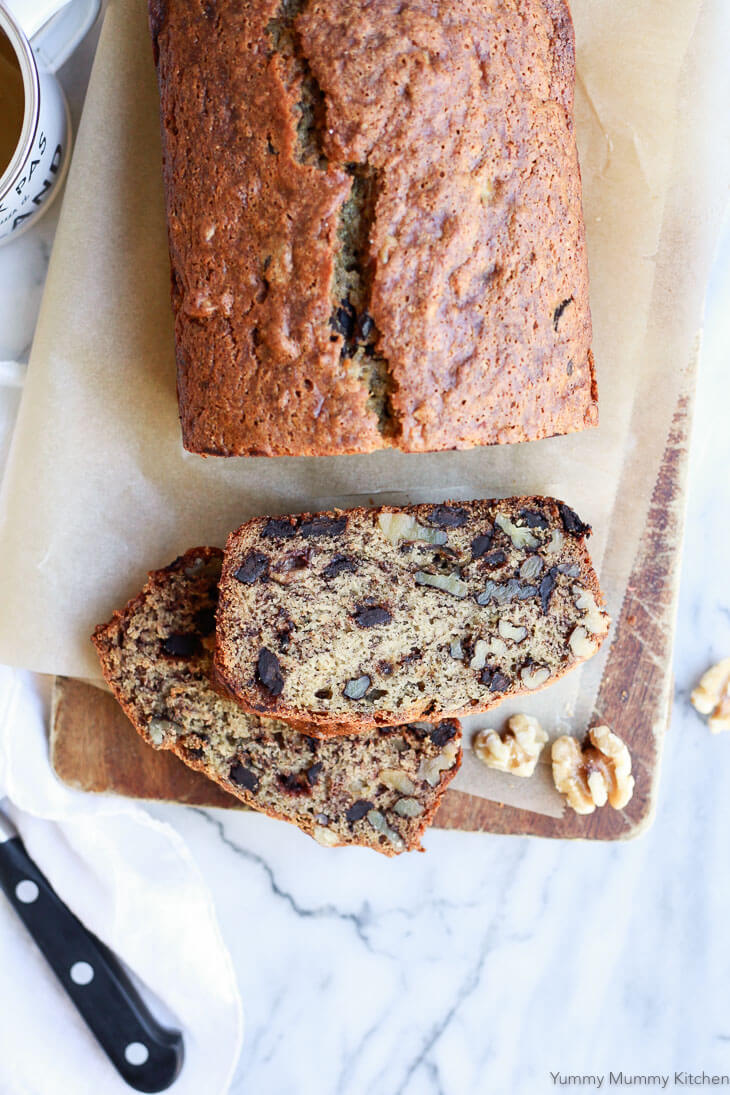 The best easy vegan banana bread recipe! This healthier vegan banana bread is oil-free when made with applesauce, and studded with walnuts and chocolate chips.
